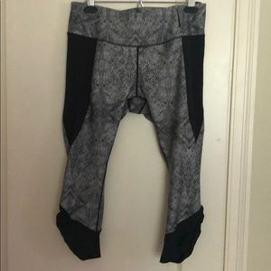 Calia snakeskin crop leggings